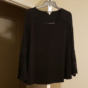 Cato top with lace sleeves